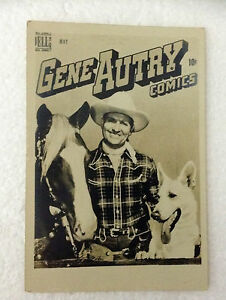 VINTAGE PHOTO of GENE AUTRY 10cts COMICS