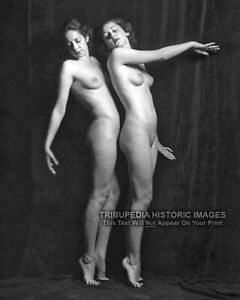 1920s Nude Ziegfeld Girls Photo * Two Naked Girls in a Ballet Style Pose * 8x10