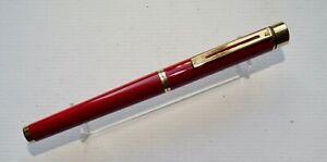 Vintage Sheaffer Targa 1028 Fountain Pen, Laque Bordeaux Classic, Australia, VGC