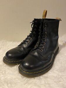 Dr. Martens VEGAN 1460 Classic Ankle Boots