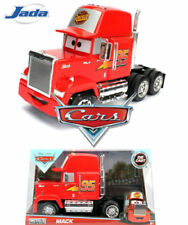 Camions miniatures rouge cars