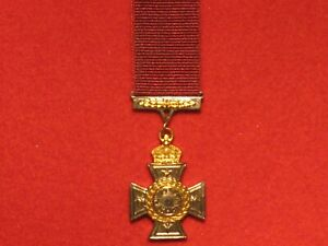 Miniature Gallantry New Zealand Cross Medal with ribbon in very good condition