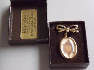 Adorable Dried Flower Hand Made Fob Brooch by Alison Wilkins, Cornwall, Boxed