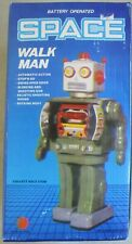 VINTAGE BATTERY OPERATED SPACE WALK MAN ELECTRONIC TOY ROBOT IN BOX TESTED WORKS