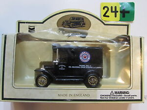 CHEVRON COMMEMORATIVE MODEL PEARL OIL VAN - MADE IN ENGLAND