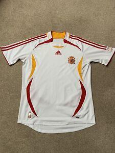 2006/08 Spain National Team Away Football Shirt. Size Medium