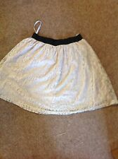LADIES LACEY LINED SHORT SKIRT. 10