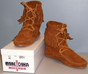 Minnetonka Women's Tramper Ankle Hi Boot - Various Sizes and Colors