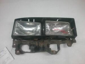 2000 MITSUBISHI FUSO RIGHT FRONT HEADLIGHT ASSEMBLY MISSING ONE BULB