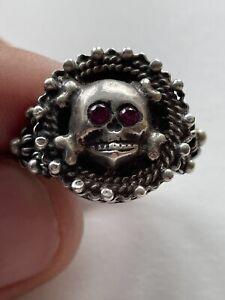 Memento mori skull filigree silver ring