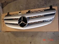 Mercedes R-Class Genuine Front Grille Assembly R320 R350 R500 R63 AMG NEW 06-09