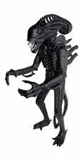 Aliens Super Size Action Figure Alien Warrior Classic Edition (Matte Black) 46cm