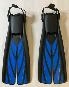 NEW Atomic Aquatics Splitfin    SIZE MEDIUM   Only Used Once, Great Condition