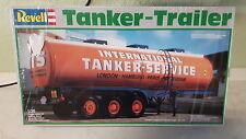 Revell Tanker Trailer No:7431 in 1/24 Neu in Folie von 1983 Tanker Service