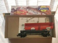 "HO Scale ""Koppers Chemicals"" KPCX 508 Single Dome Tanker Train Car"