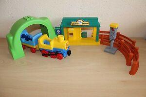 Playmobil Train Set Engine Car Station Traffic Light