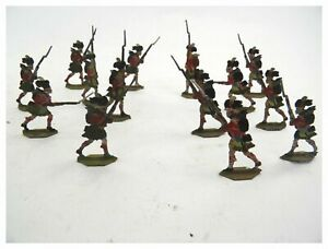 Antique collection of 14 Scottish Infantry tin flats toy soldiers hand painted