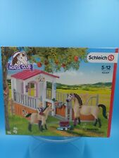 Neu Spielzeug Box Pferde Araber Soigneuse Farm World schleich 42481