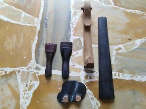 Accessori vintage in legno per violini