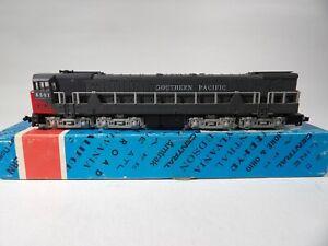 Con-Cor N scale U50 Southern Pacific Diesel Loco # 3301C