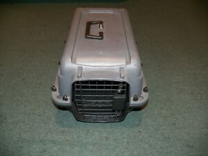 """Plastic Pet Carrier Great Choice Gray and Black 20"""" x 13"""" x 11"""""""