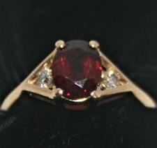 EXQUISITE Oval Cut RED Stone Garnet? Spinel? Topaz? 2 Small White Stones 14KP