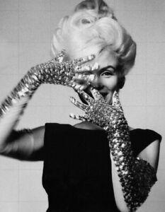 "MARILYN MONROE - 10"" x 8"" b/w studio portrait photograph circa late 1950s"