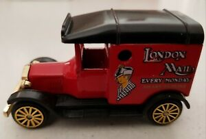 """CORGI """"THE VILLAGE CAMEO COLLECTION"""" 1993 MODEL T FORD VAN - LONDON MAIL - BOXED"""