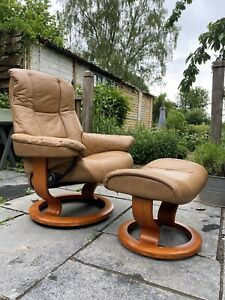 Ekornes Stressless Mayfair Leather Recliner Armchair with Footstool