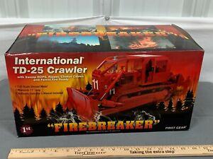 International IH TD-25 ROPS Fire Breaker First Gear 1:25 Scale #40-0129 NIB