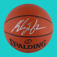 Items autografiados de la NBA