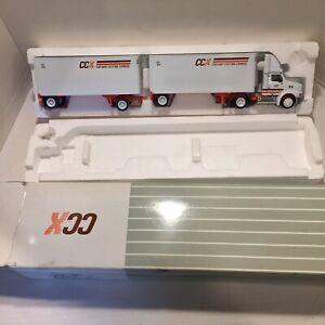 CCX Con-Way Central Express Semi Truck w/ Tandem Trailer 1:53 scale NICE