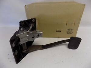 New OEM 2005-2006 Ford Escape Mariner Brake Pedal Assembly Part 5L8Z2455AE