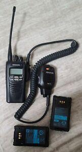 KENWOOD NEXEDGE NX-300-K UHF 450-520MHZ RADIO 2 BATTERIES, CHARGER,SHOULDER MIC.