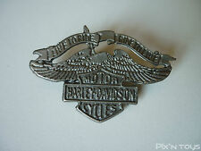 PIN'S / Motor Harley Davidson Cycles - Live to ride