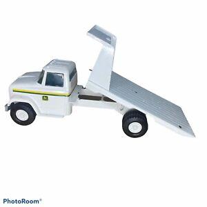 Vintage ERTL John Deere Metal Flat Bed Dump Truck USED 1/16 White RARE USA MADE