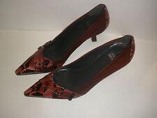 Stuart Weitzman Womens Kitten Heels Suede Leather Pumps Shoes size 6 1/2