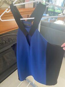 BCBGMAXAZRIA Black & Blue Sleeveless Blouse Size M EXCELLENT CONDITION