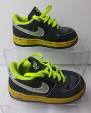 Nike Air Force 1 BAMBINO NERO GIALLO FLUORESCENTE SNEAKER IN PELLE NABUK TG UK 7.5 EU 25