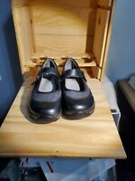 Alegria shoes size 36 pre-owned, soft soled black, silver