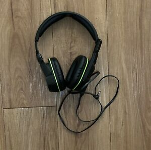 Afterglow LVL 3 Wired Headset for Xbox One Green Microphone Pre-Owned
