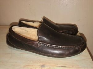 UGG ASCOT MEN'S Brown LEATHER Sheepskin Slippers. Size 8