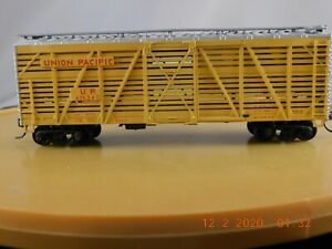 Athearn HO Scale 40' Stock Car Union Pacific