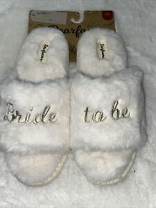 "Dearfoams Slippers ""Bride to be"" NEW Medium 7-8"
