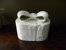 Vintage Soapstone Renoir Designs Jewelery Trinket box with bow