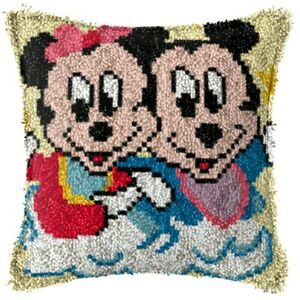 LATCH HOOK PILLOW KIT - 15.7 X 15.7 INCHES -MINNIE AND MICKEY MOUSE
