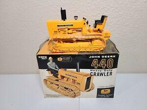 John Deere 440 Heavy-Duty Crawler - ERTL 1:16 Scale Model #16134
