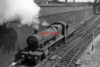 PHOTO  GWR HALL NO 4975 UMBERSLADE HALL 1963 AT OLD OAK COMMON EAST JUNCTION LIG