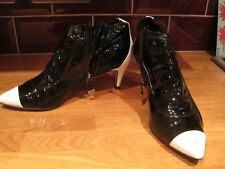 RARE CHANEL BLACK AND WHITE PATENT LEATHER PIXIE SHORT BOOTS UK 5.5 EU 38.5