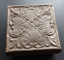 VINTAGE 1970s miracolo finta in legno intagliato portagioie celtico Design-N111